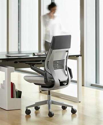 SC_Gesture_chair (3)