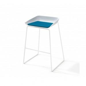 SC_Scoop_stool-7-581x436