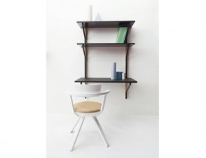 ATK_REB 013 Kaari self desk