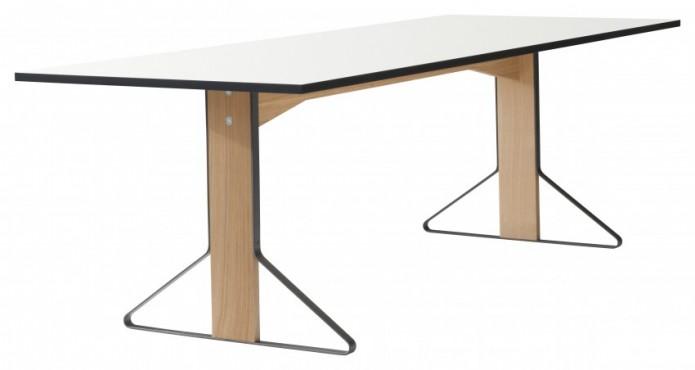ATK_Reb_002_Kaari_table