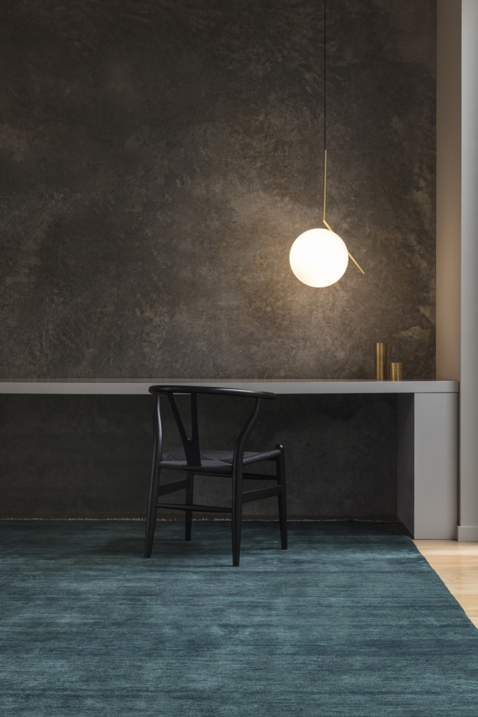 Armadillo_Rugs_AgraKnot_HeirloomCollection_Kingfisher_Insitu04