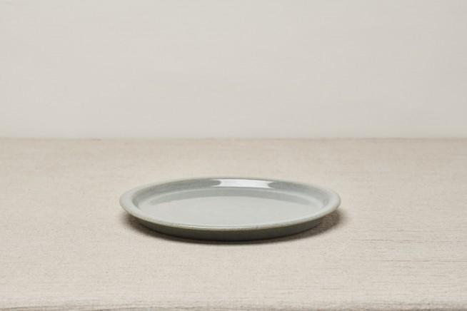 WIBI DINNER PLATE.DOVE GREEN